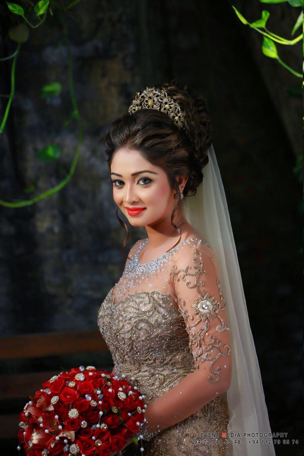 Pin van vidjaita gangoe op saree in pinterest bridal