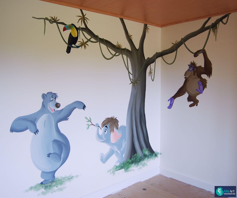 Wandschildering boom met figuren uit Junglebook