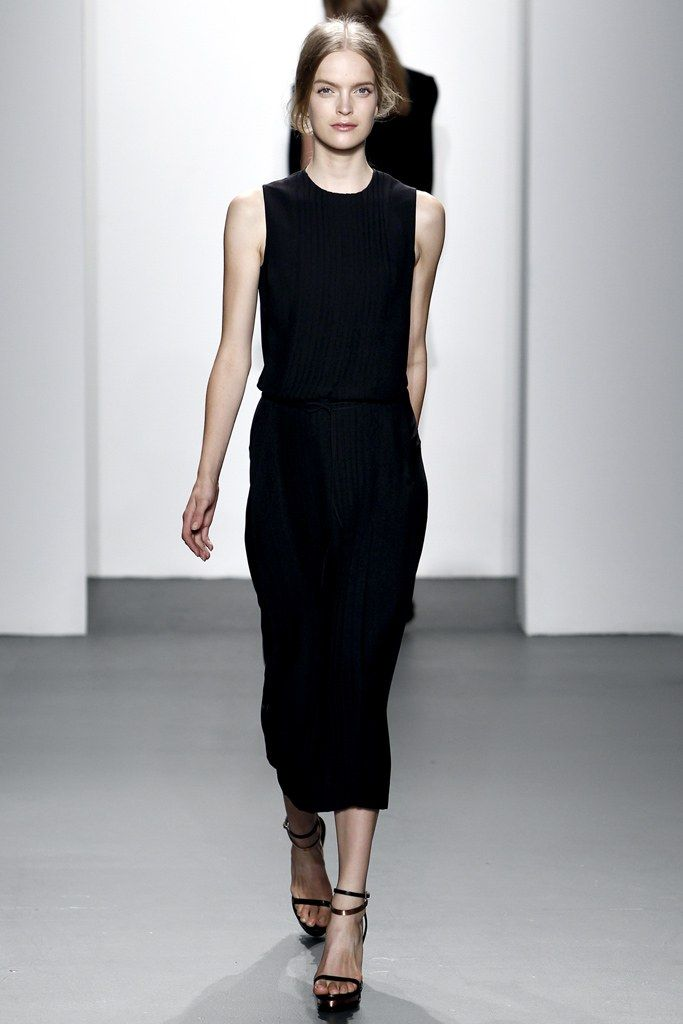Calvin Klein Collection Spring 2011 Ready-to-Wear Fashion Show - Mirte Maas