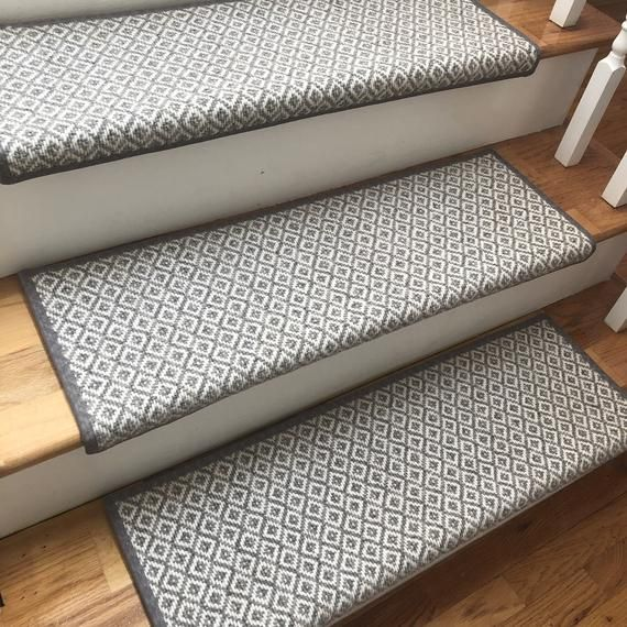 Best Padded Breckenridge Light Grey Flat Woven 100 Wool True 400 x 300