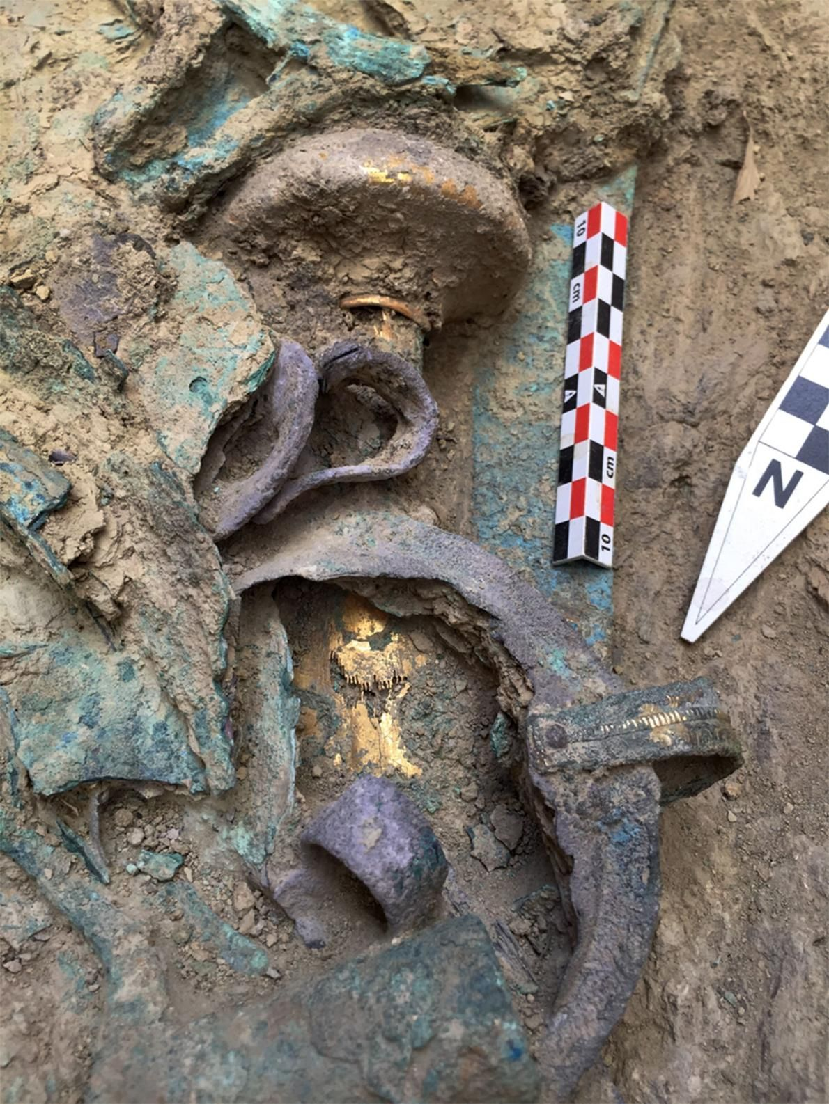 Rare Unlooted Grave of Wealthy Warrior Uncovered in Greece