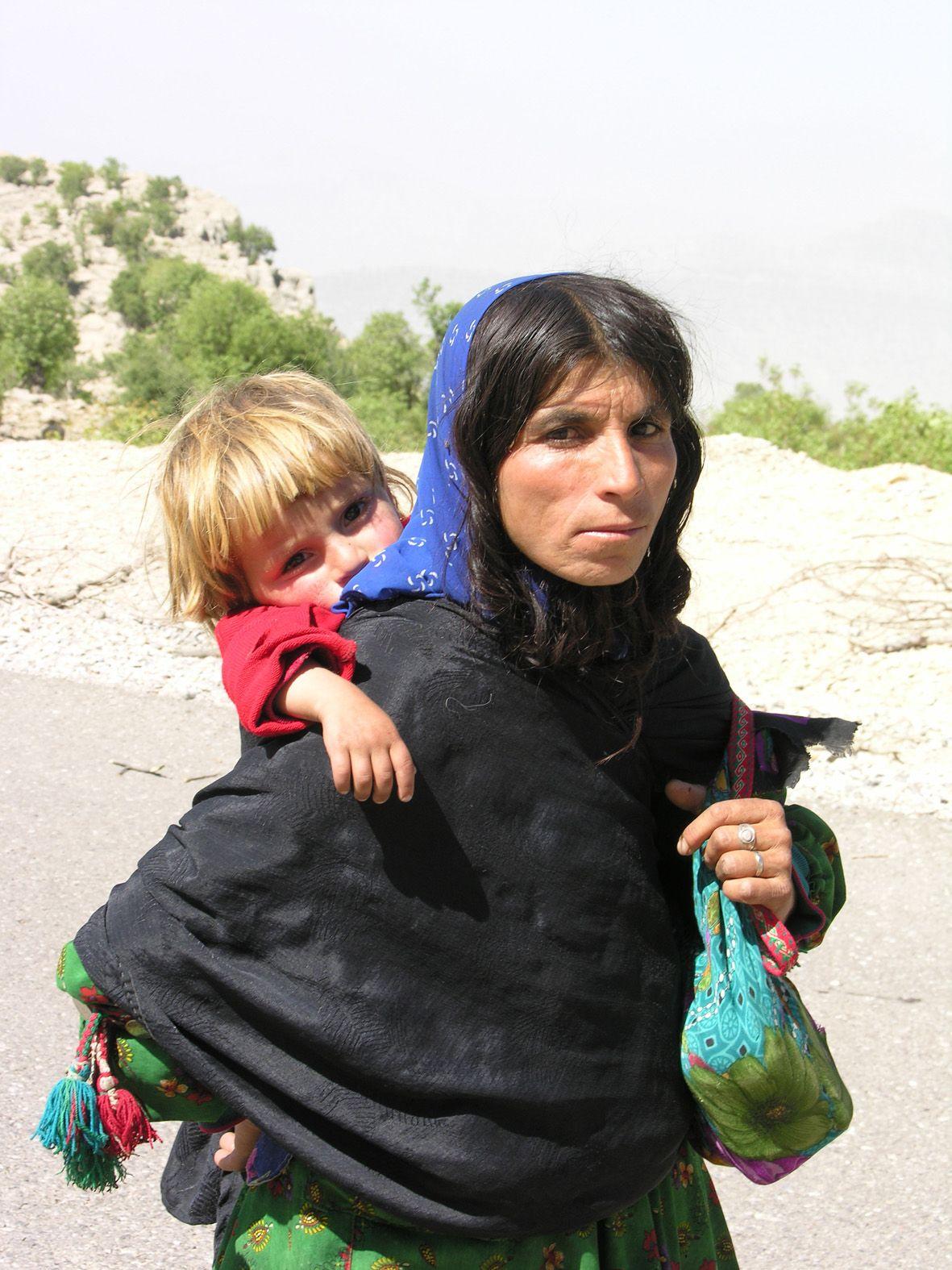 Bakhtiari people iran world faces pinterest iran people jpg 1181x1575  Bakhtiari portrait dress persian womans picturesque