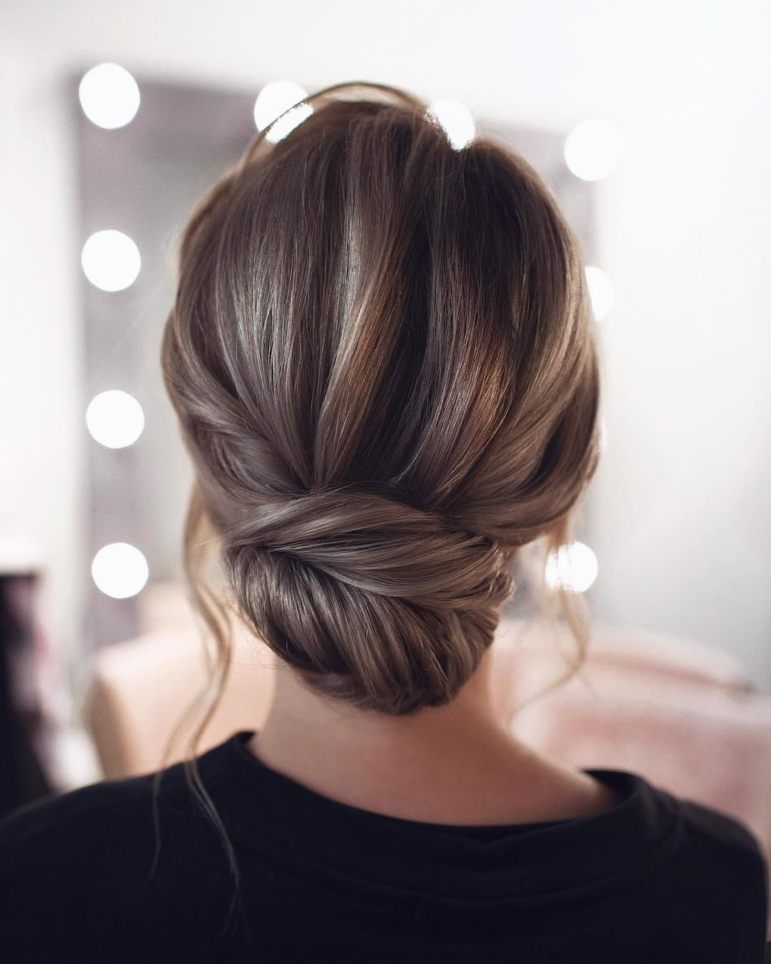 13 All Time Best Hairstyles For Round Faces Ideas Loose Bun Hairstyles Thick Hair Styles Long Hair Styles