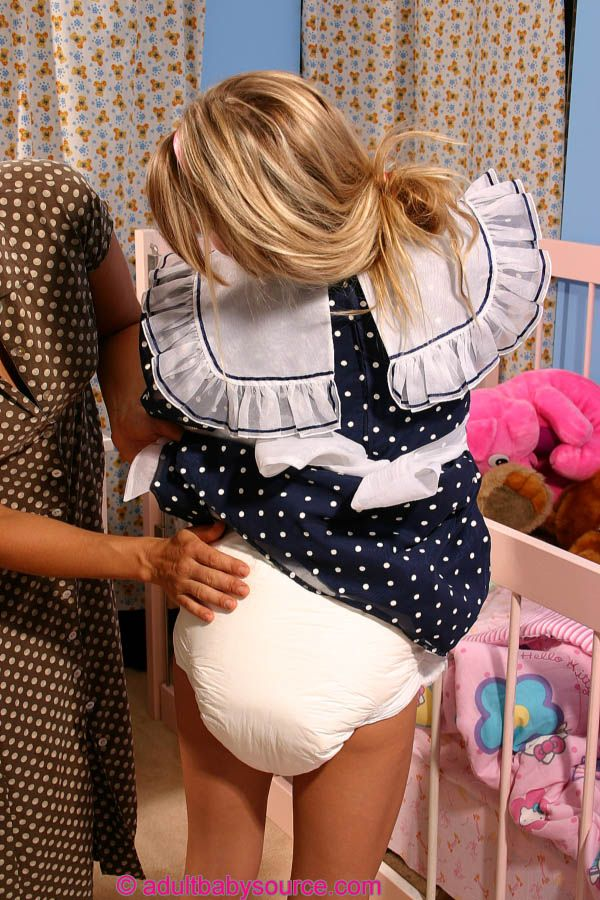 Pictures of young teens wearing diapers — photo 7