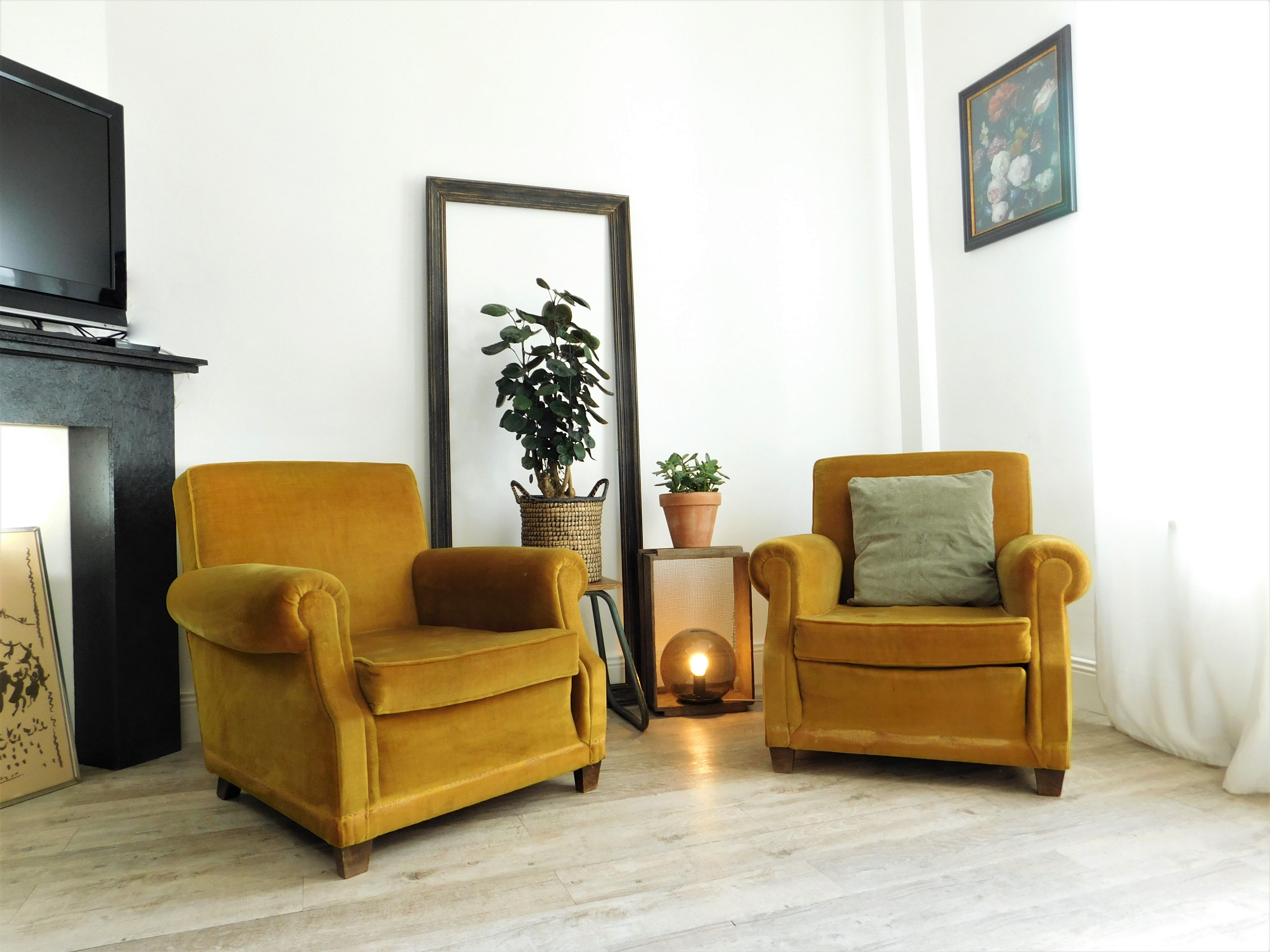 fauteuil velours jaune moutarde vintage deco. Black Bedroom Furniture Sets. Home Design Ideas