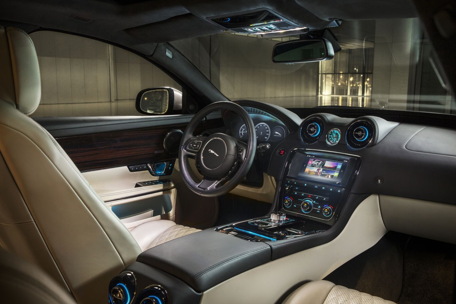 2016 Jaguar Xj Is More Desirable Than Ever Jaguar Xj New Jaguar Jaguar