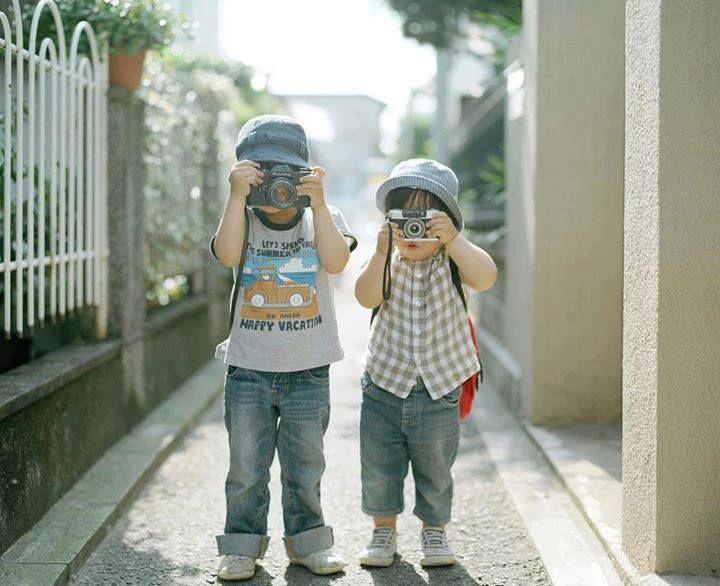 Niños con Camaras.