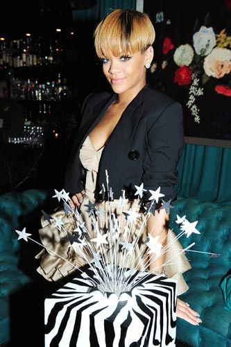 Celebrity Birthday Cakes Girls Talkin SmackRihanna Celebrities