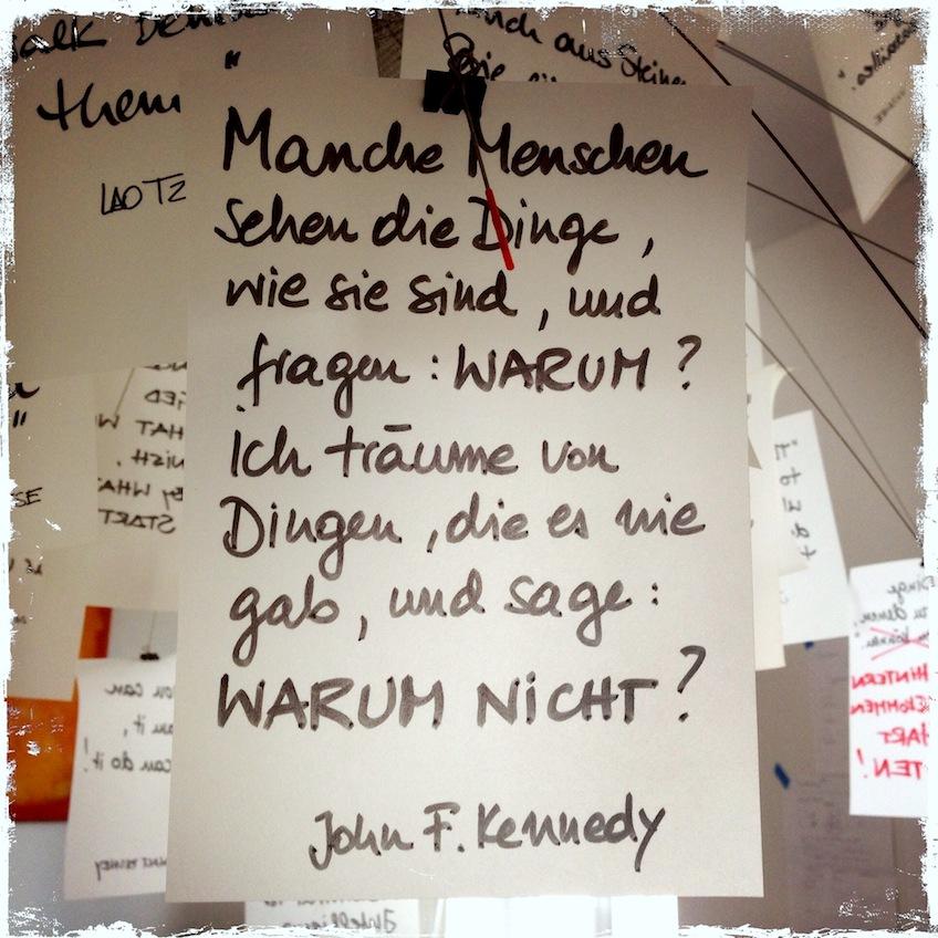 Tolla Erleuchtung Meine Zettelz Lampe Von Ingo Maurer In 2020 Deutsche Zitate Gedichte Und Spruche Strassen Zitate