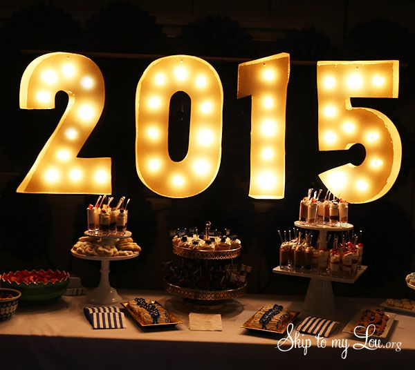How to make an easy lighted marquee sign. Easy step by step tutorial with photos. #make #diy  skiptomylou.org