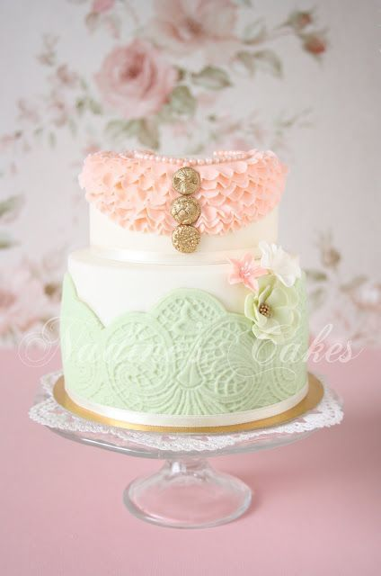 Pin By The Smiley Wedding Inspiration On My Vintage Wedding Inspiration Cake Vintage Cake Ruffle Wedding Cake