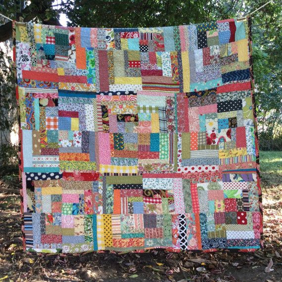 beautiful vintage styled housetop quilt -- double or queen size bed topper