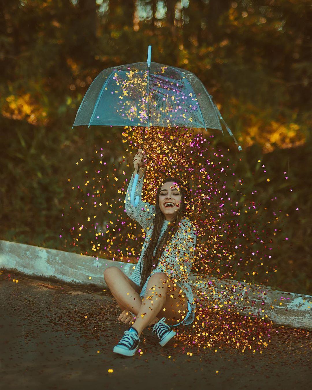 """Igor Ache – Fotografie auf Instagram: """"Glitzernder Regen ist mit igoraxiiii 🤪✨✨✨ Aahh, der Regenschirm kam mit dieser GÖTTIN zurück …"""