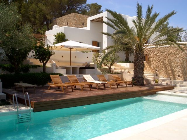 Finca San Augustin Ibiza - A Hilltop haven with superb views of the lush valley of San Augustin - www.hipholidaysibiza.com