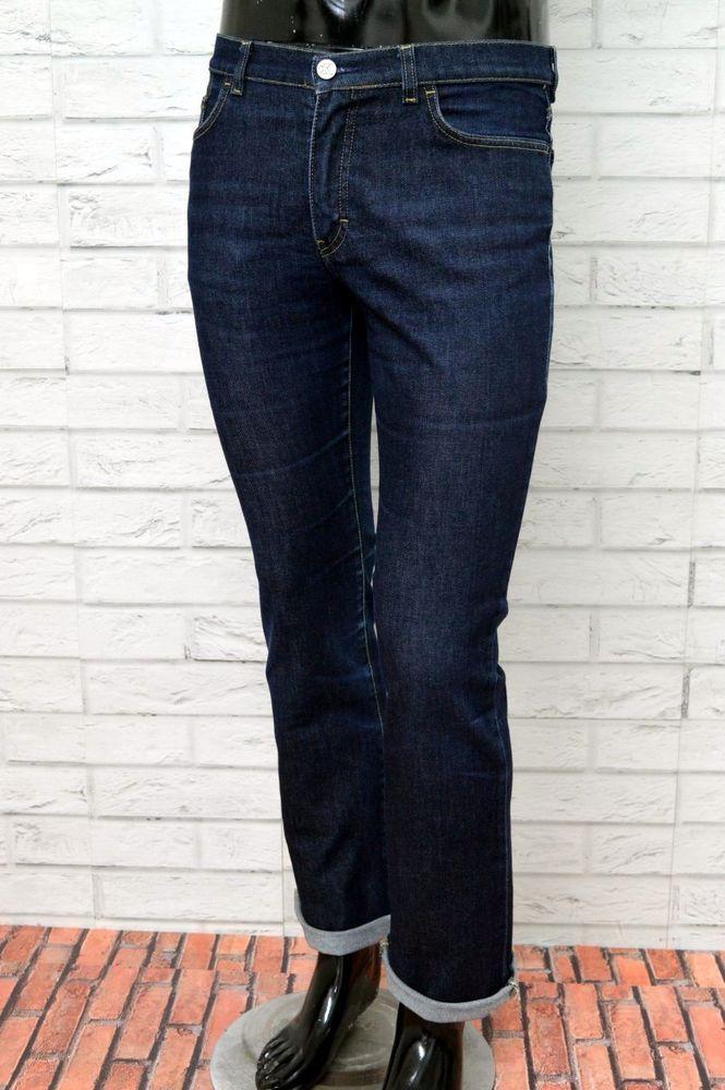 Saftige MILF in Jeans