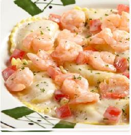 Olive garden shrimp mezzaluna round ravioli with sauteed shrimp in white wine and cream sauce for Mezzaluna ravioli olive garden