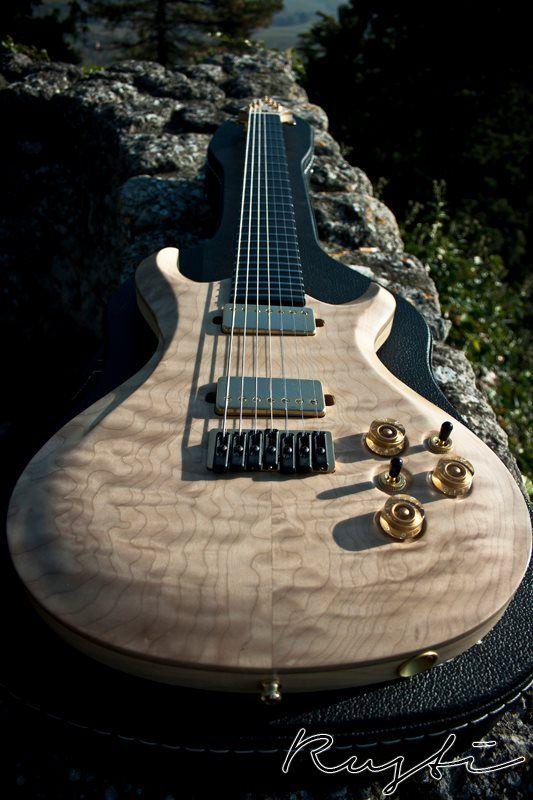 Rusti Guitars