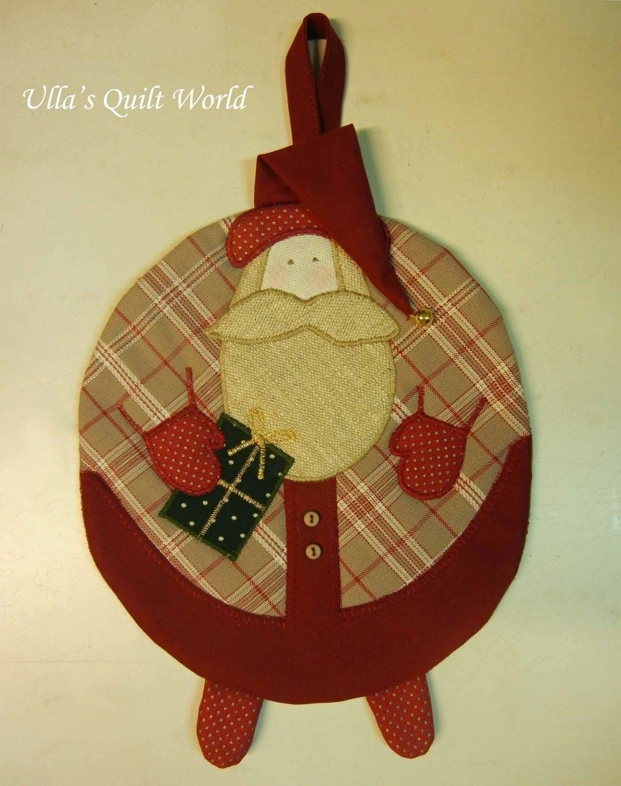 Ulla's Quilt World: Quilted Santa Claus potholder and PATTERN
