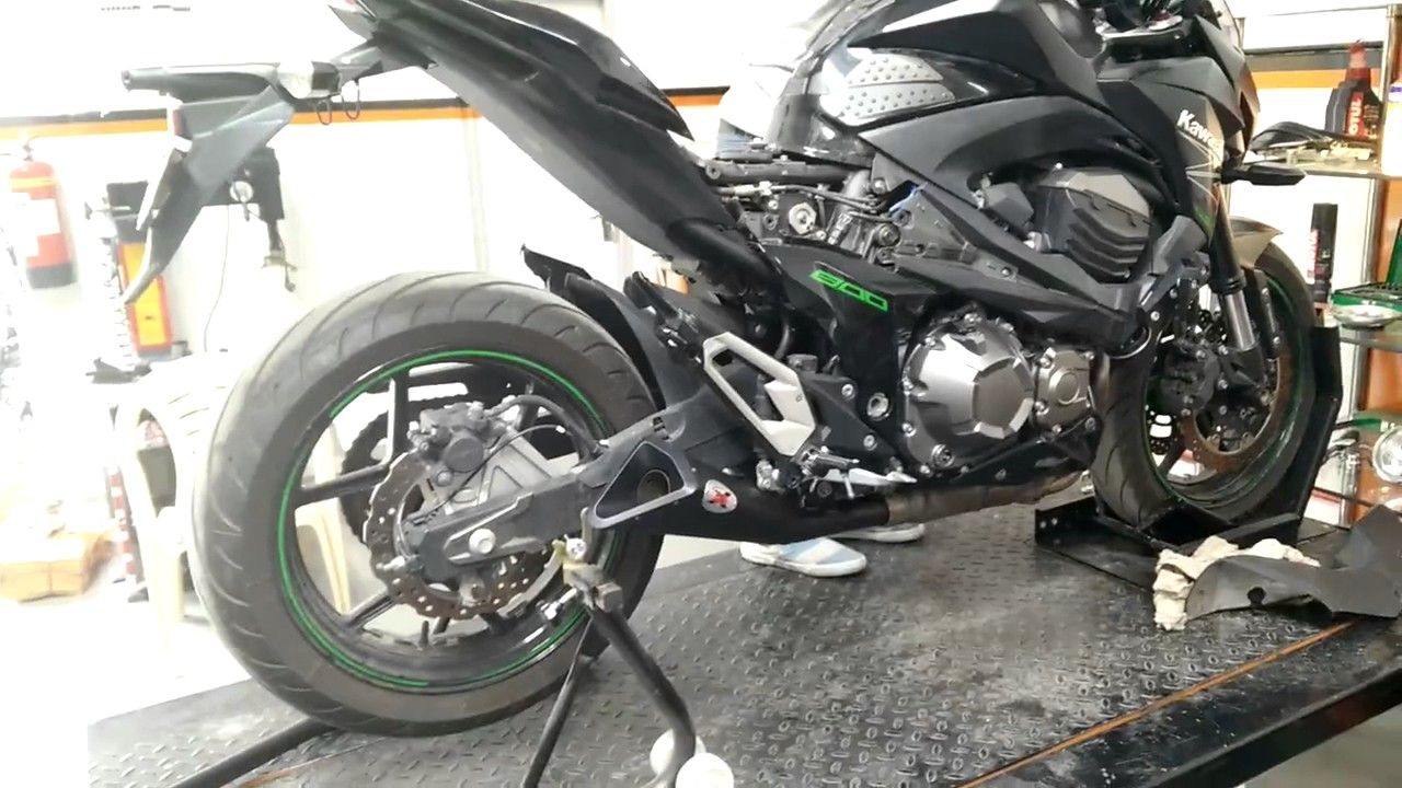Kawasaki Z800 With Ixil X55 Exhaust Ultimate Sounds Two Brothers Ninja 650 M 2 Silver Series 1 Full System 2012 16 Carbon Fiber Canister