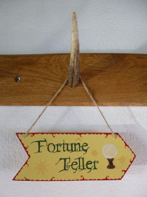 Flèche Circus // Fortune Teller couleurs traditionnelles  design by WayToFaery  https://www.etsy.com/fr/listing/218173015/fleche-circus-fortune-teller-couleurs?ref=shop_home_active_7