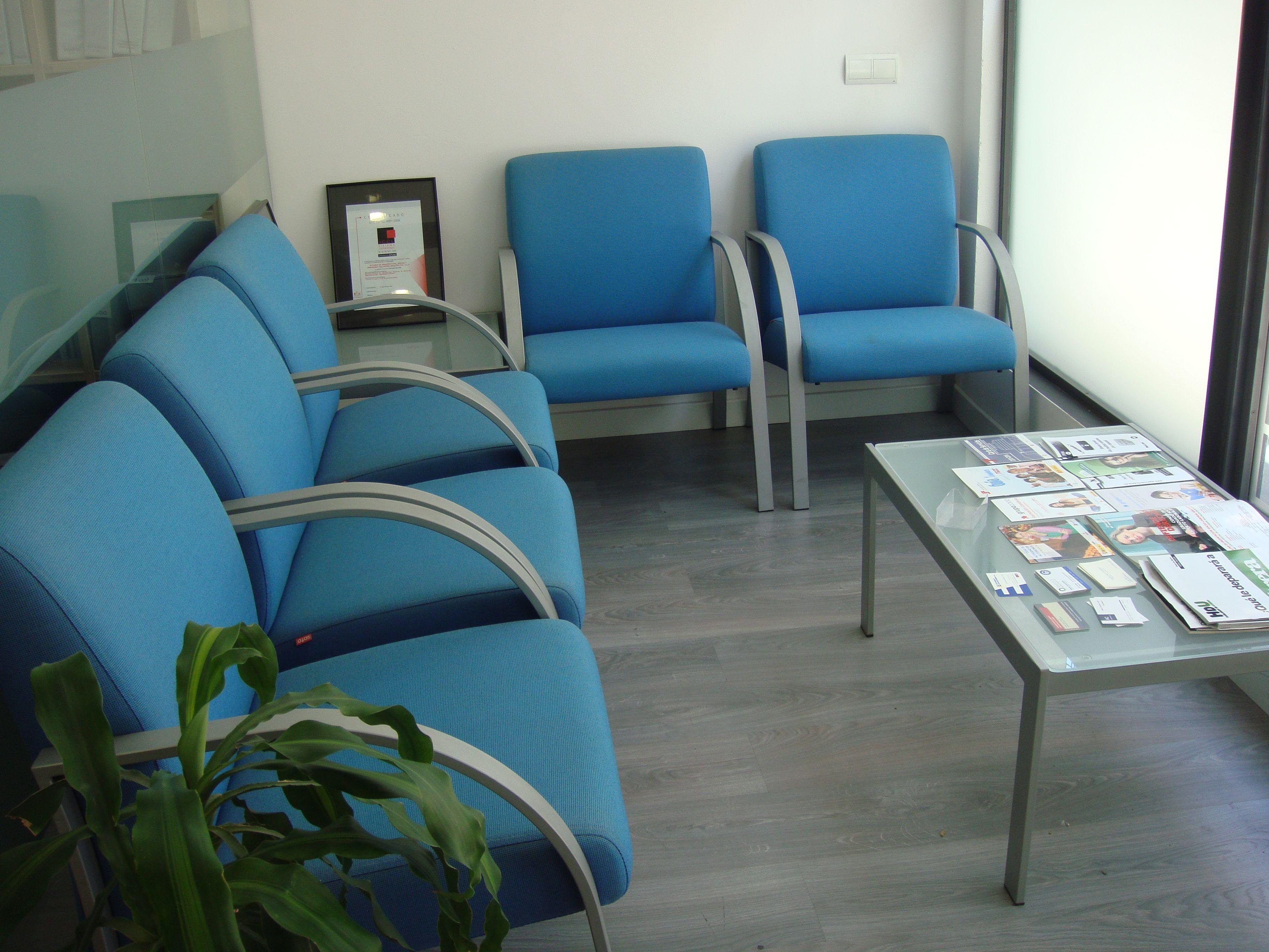 Sala de espera ac arq coworking utrera pinterest for Silla odontologica