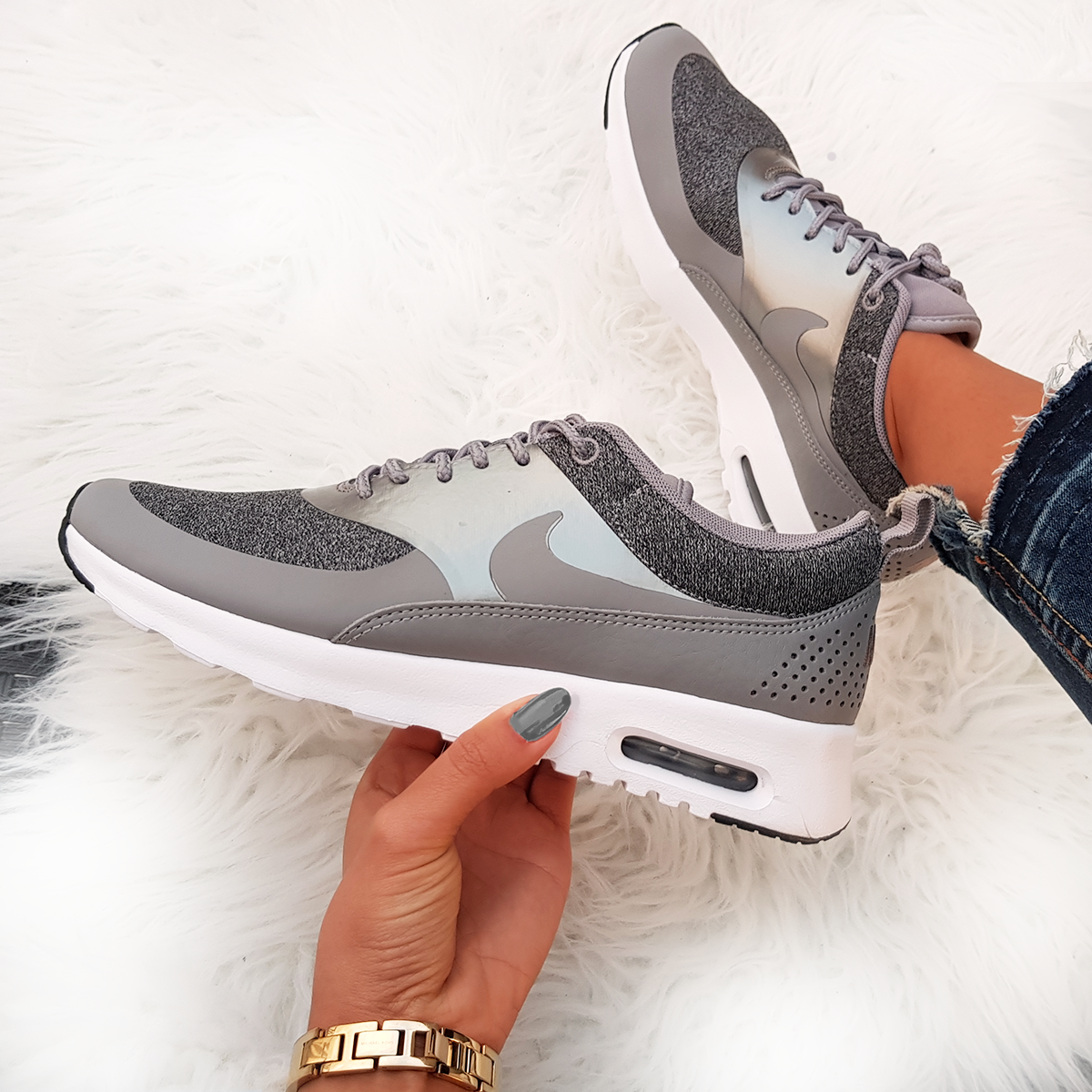 Nike Air Max Thea Knit grau grey weiss white Foto