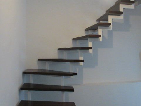 eine einfache treppe ohne jeglichen schn rkel ohne schn rkel bedeutete in diesem fall sogar. Black Bedroom Furniture Sets. Home Design Ideas