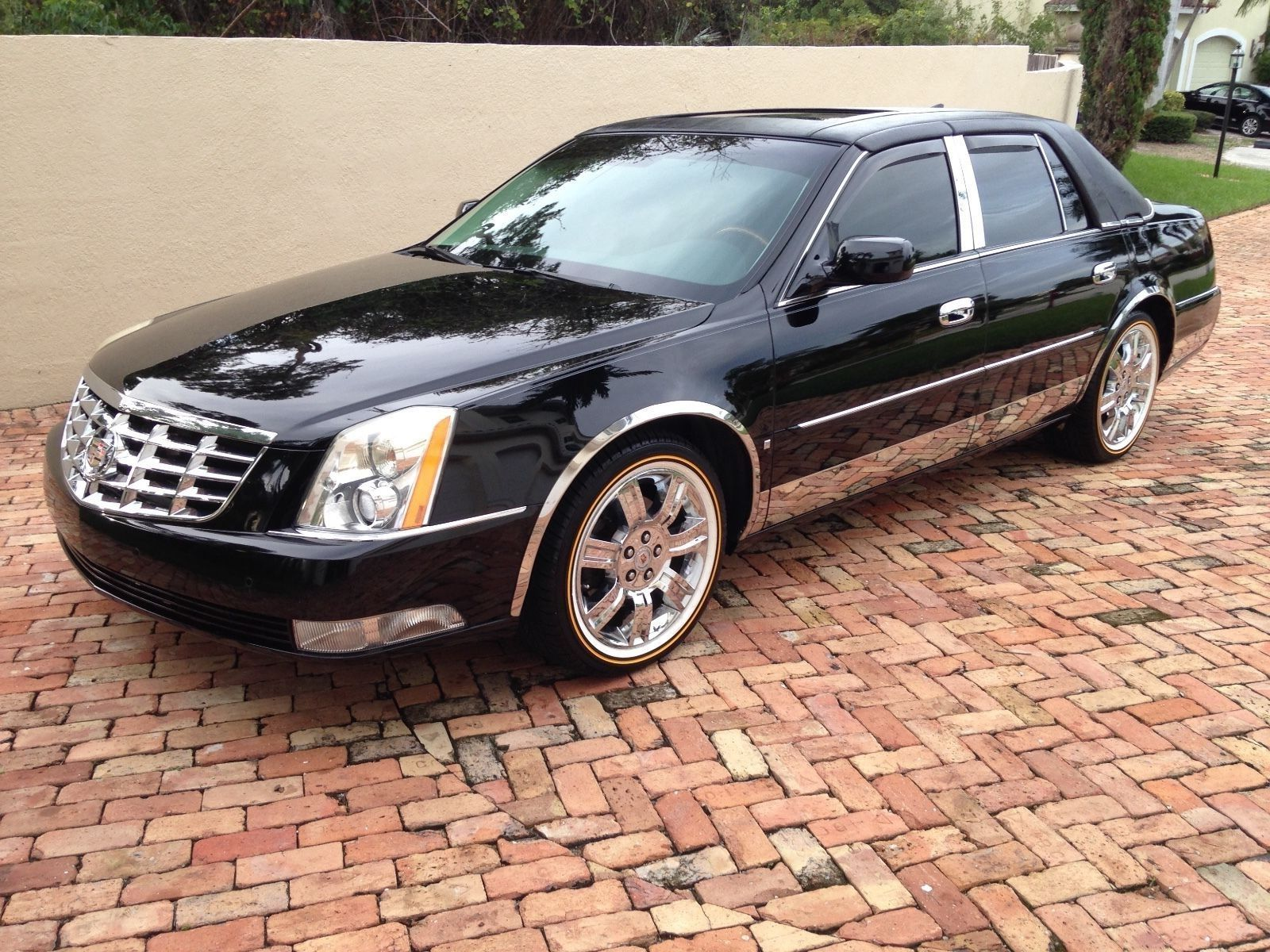 detail at used serving cadillac cars escalade luxury mash