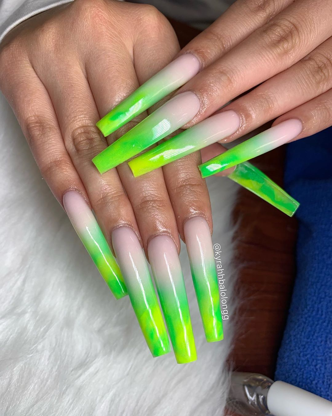 K Y R A H Brentwood Ca On Instagram Long Neon Green Neon Yellow Ombre Set Valentinobea Neon Green Nails Neon Acrylic Nails Green Acrylic Nails