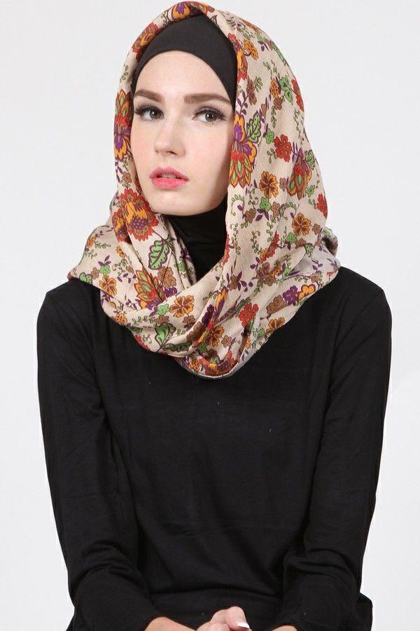 Laudya Floral Hijab  Harga Khusus Hanya: Rp. 59.000 Warna: Cream Bahan: Cotton Panjang: 120cmx120cm
