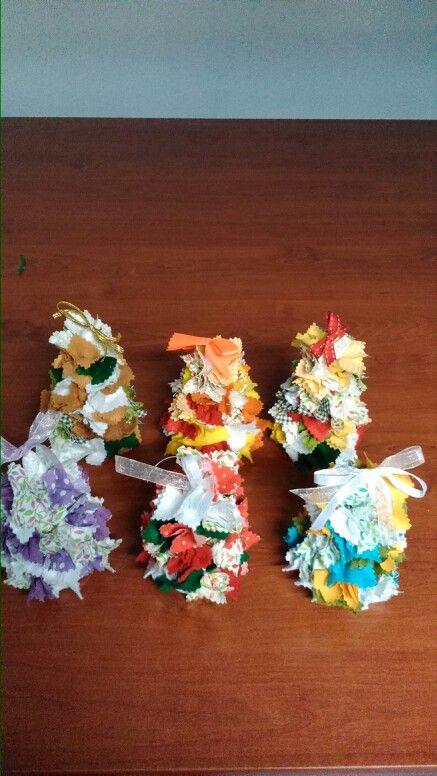 Pinheiros de natal artesanais!