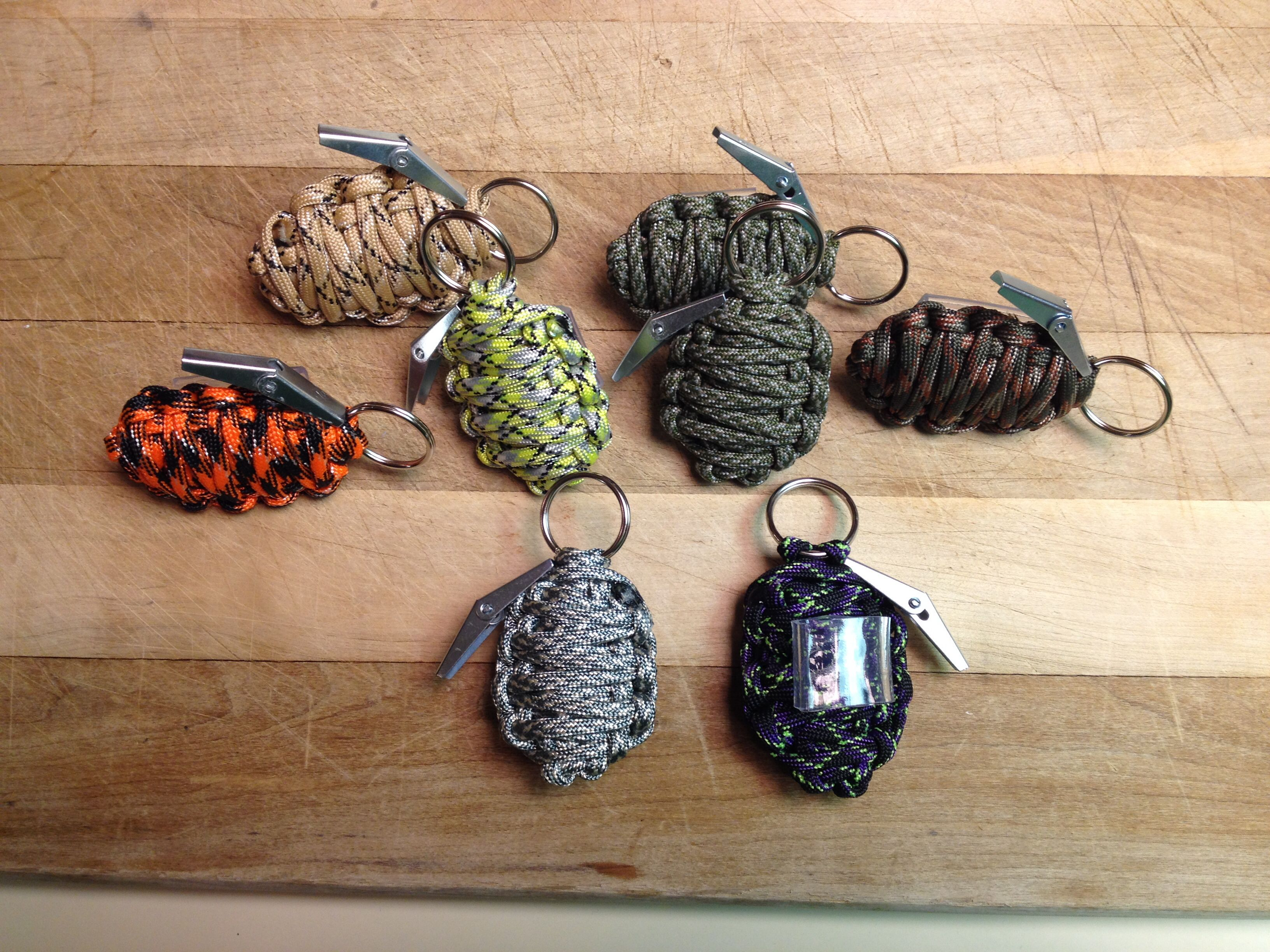 Paracord hand grenade slides super easy just do the for How to make a keychain out of paracord