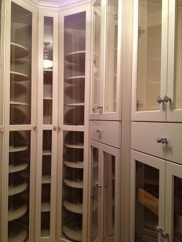 Lazy Susan In The Closet For Purses And Shoes Organize Storage Smallspaces Closet Storage Design Closet Design Closet Designs