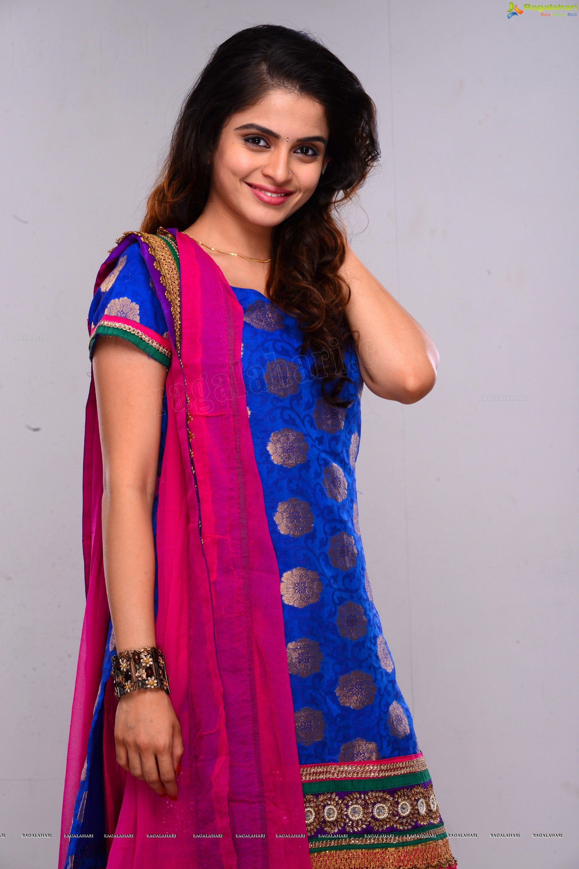 exclusive: teree sang heroine sheena shahabadi hd photos - image 53