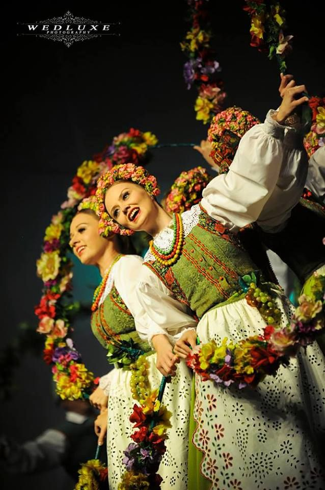 Pin By Elzbieta On Polish Costume Masovia Warsaw Lowicz Kowicz Kurpie Reg Polish Traditional Costume Polish Folk Art Folk Costume