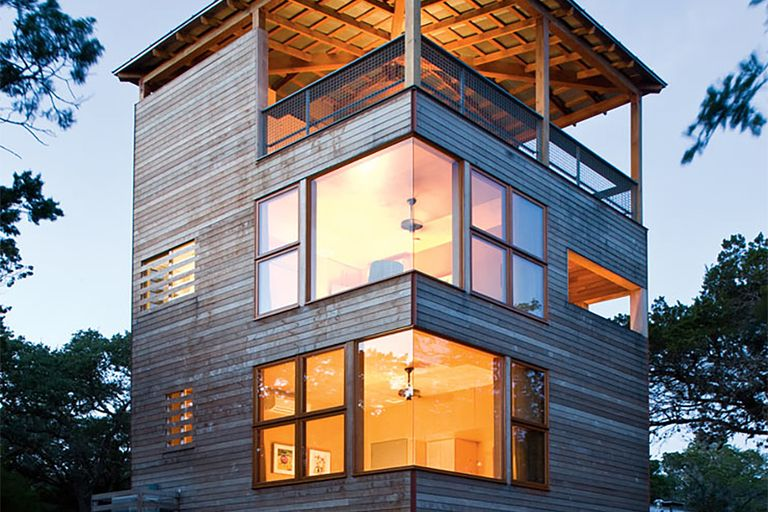 Uncrate Shelter Tower house, Modern small house design