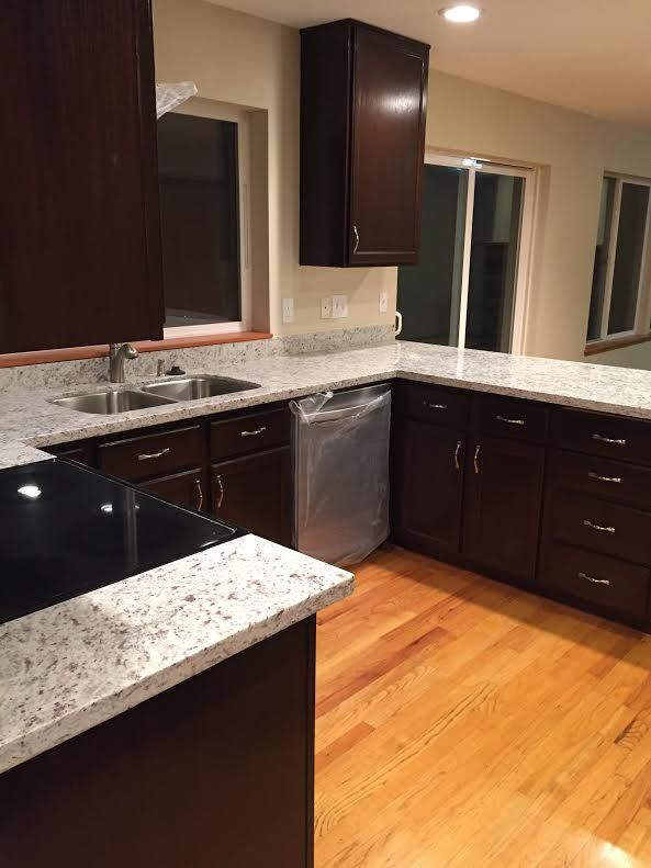 We have kitchen cabinets, kitchen sinks, granite, mosaic tiles, flooring tiles, bathroom sinks, and sample installations on display. Bring your measurements, and we'll be able to help you visualize your ideas with computer generated 3D images!