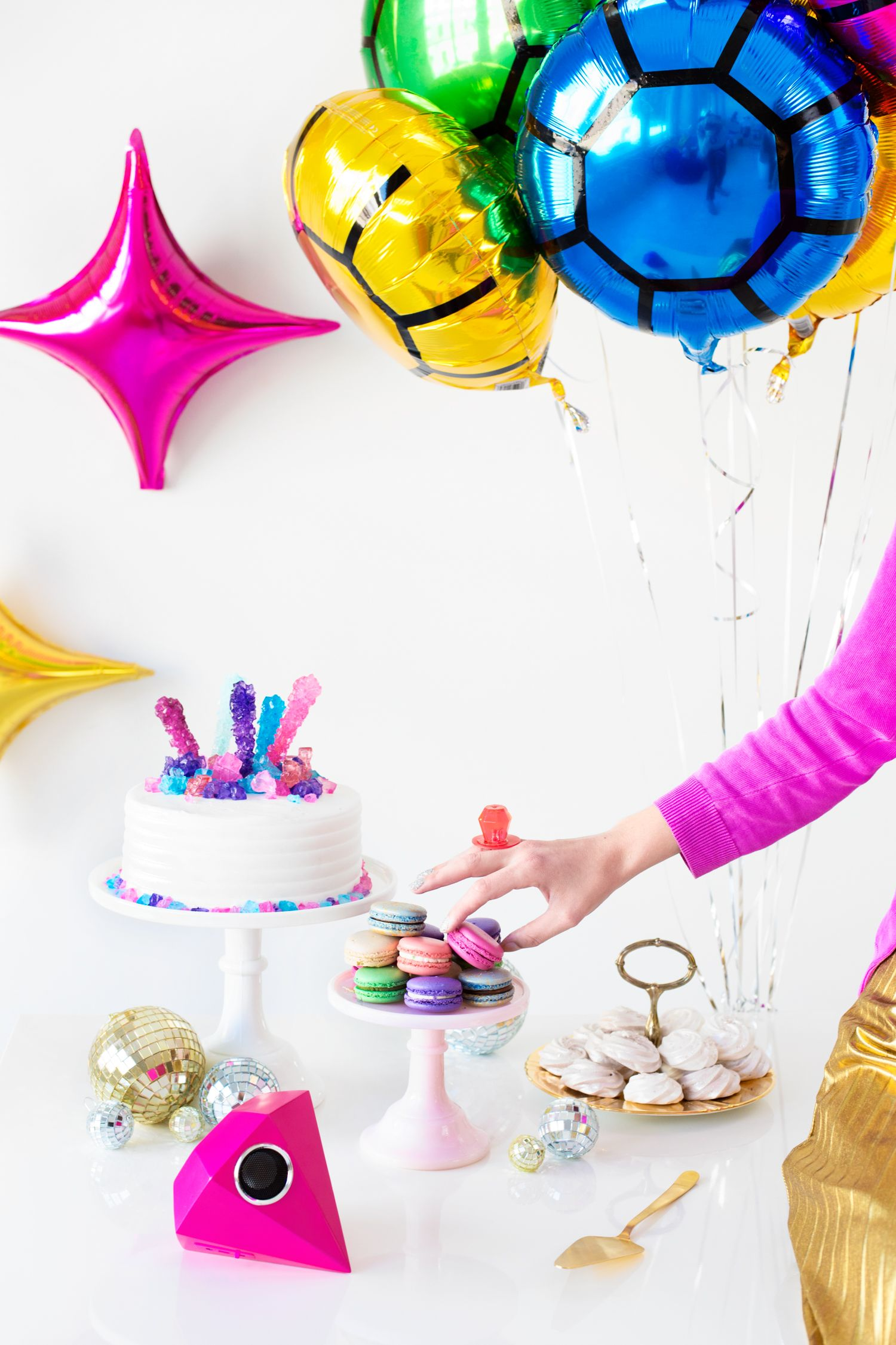 Love is blinding bridalshower party ideas pinterest party love is blinding bridal shower solutioingenieria Image collections
