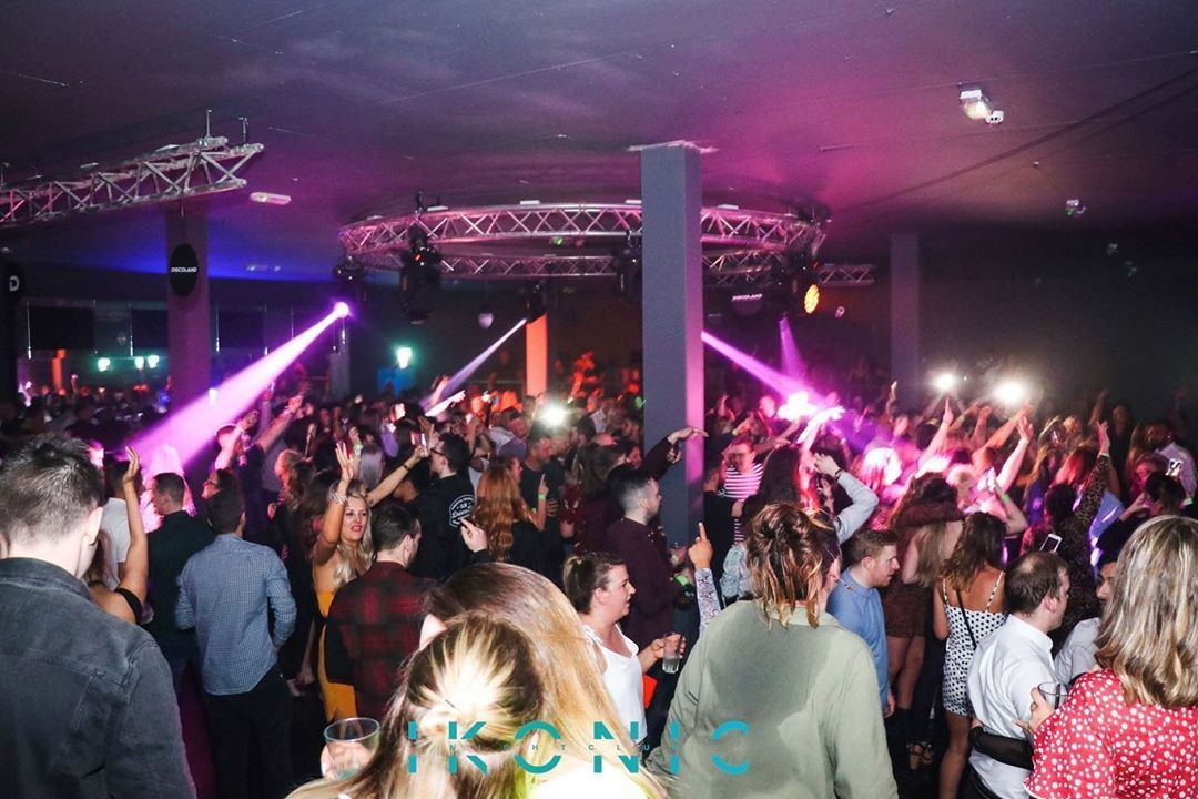 What A Night Bolton Boltonevents Jaxx Reunion Party Crowd Rave Whatanight Friends What A Night Bolton Boltonevents Jaxx Reunio Night Concert Crowd