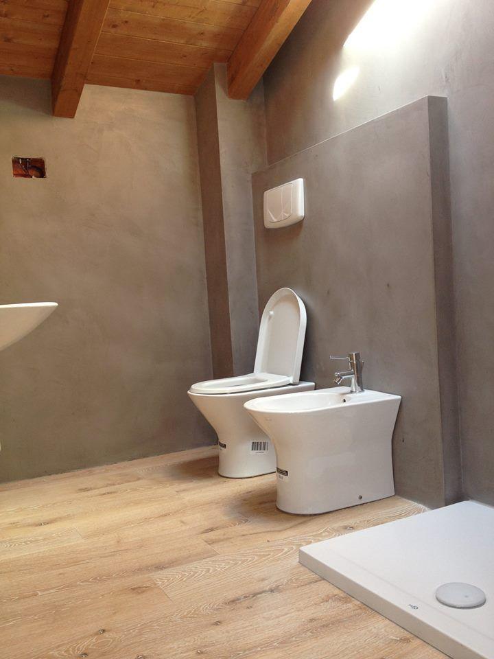 Ristrutturazione bagno resine e parquet 2 rivestimenti - Parquet in bagno ...