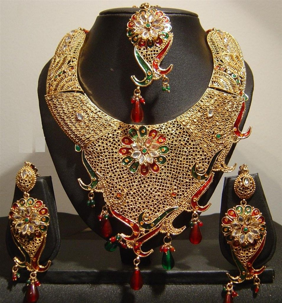 Gold with kundan and enamelwork from Dubai Gold Souk | Ethnic ...