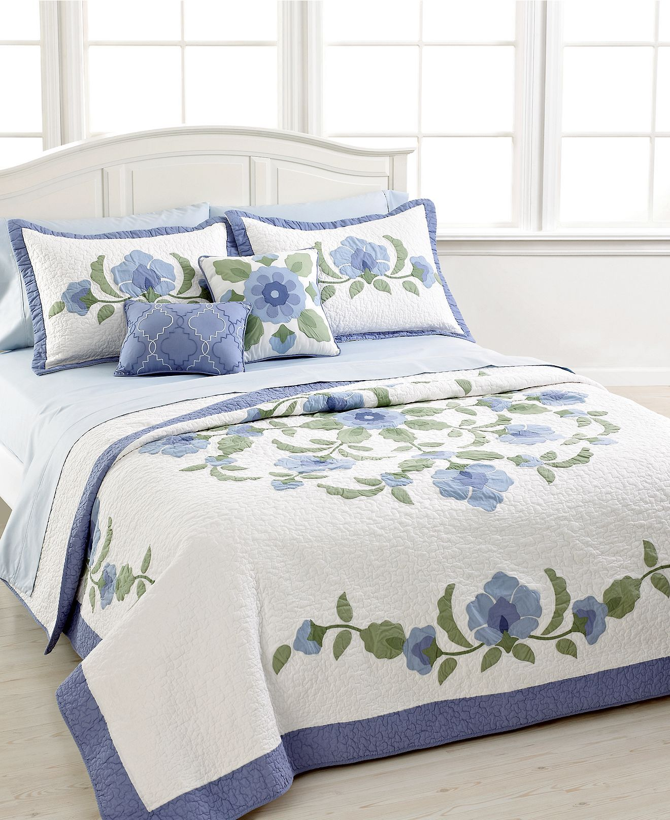 nostalgia home bedding brenda quilt collection quilts bedspreads bed bath macy 39 s. Black Bedroom Furniture Sets. Home Design Ideas