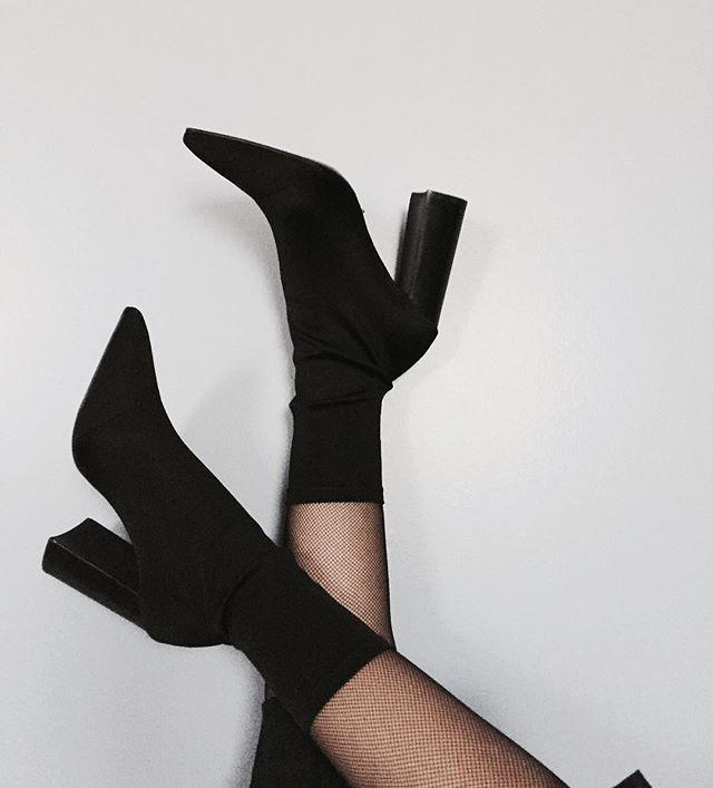 b21f46409fe61  Kyrapg ☾ Ig   Kyrapg Sock Shoes