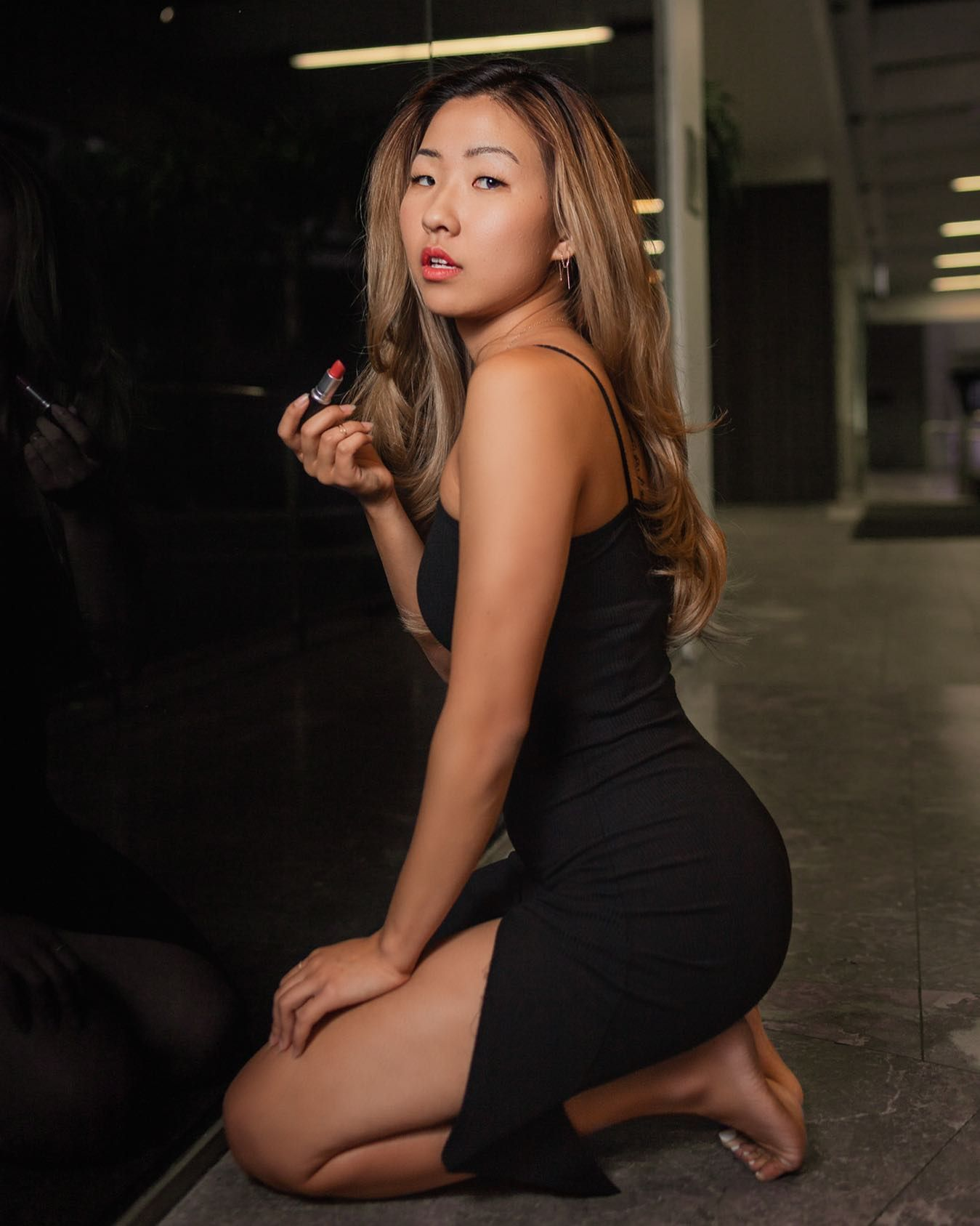She Was A Long Cool Woman In A Black Dress Recent Photo Shoot In Downtown Los Angeles With The Lovely Model Juliahslee [ 1687 x 1349 Pixel ]