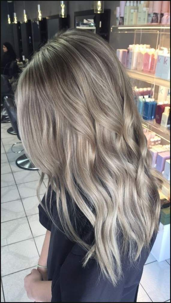 Haare Farben 2017 2018 Fur Damen Aktuelle Trends In Haarkleuringen Einfache Frisuren Frisuren Aschblond Haarfarbe Balayage