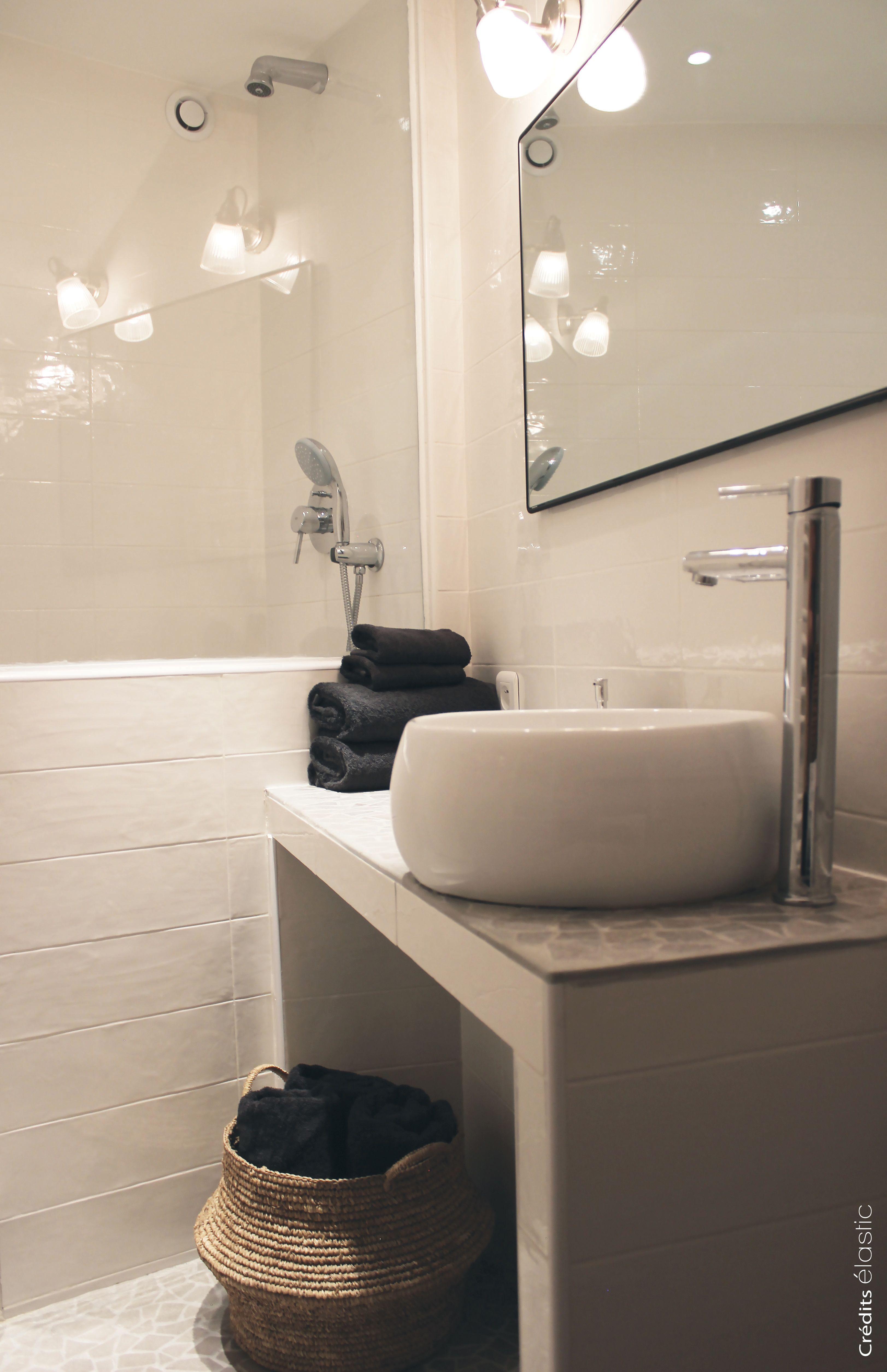 Plan Vasque Maconne Vasque Ceramique Posee Sol Carrele En Opus Incertum C Elastic Carelage Salle De Bain Salle De Bain Mansardee Plan Vasque