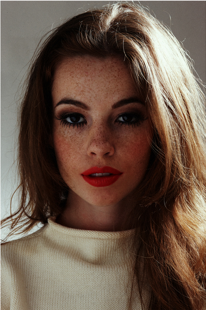 freckles Women with freckles, Retro makeup, Freckles