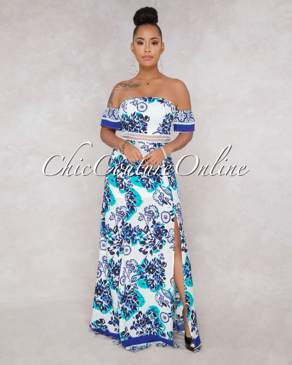 883e54ef0b4 Emely Blue Printed Off The Shoulder Maxi Dress in 2018
