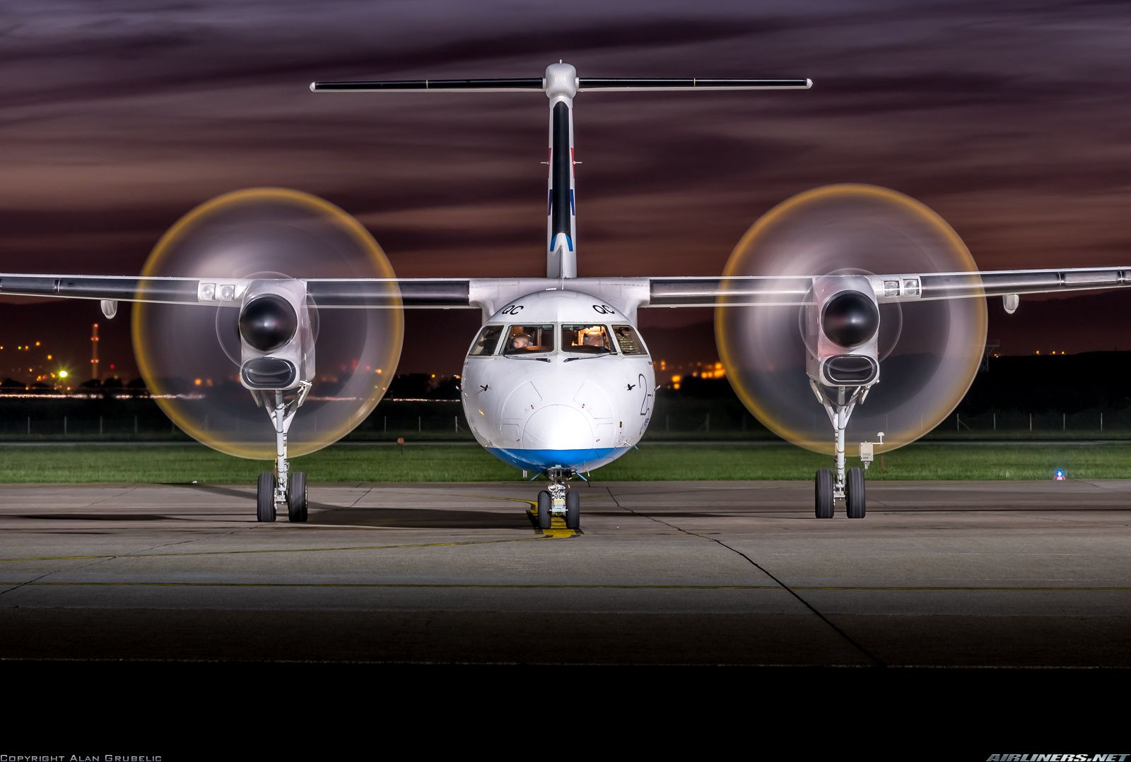 Bombardier Dhc 8 402 Q400 Croatia Airlines Aviation Photo 2639568 Airliners Net Croatia Airlines Dhc Aircraft Pictures