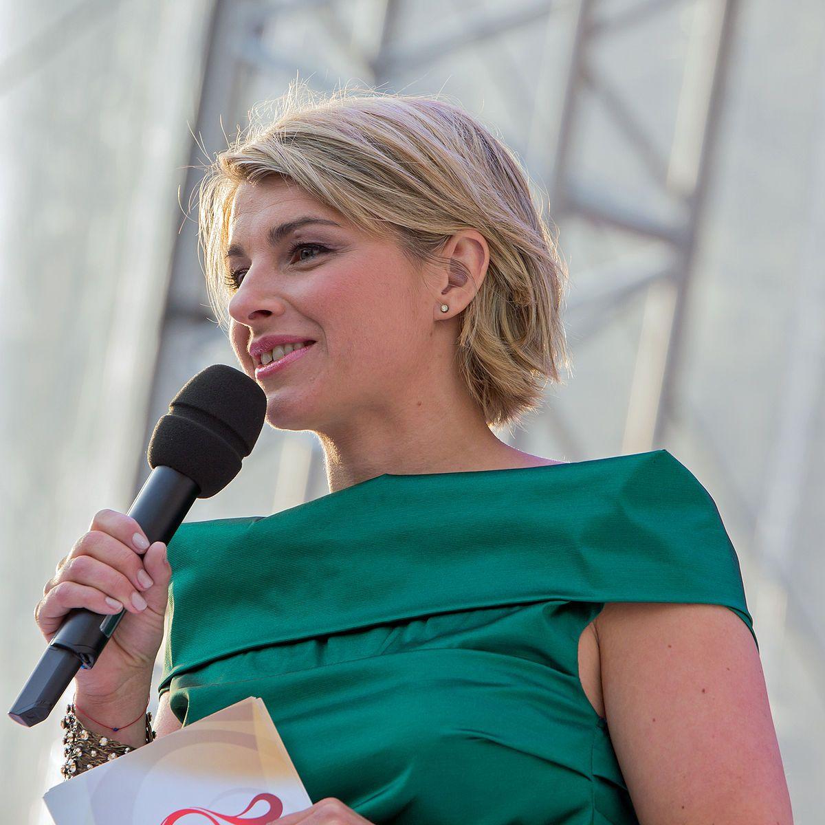 Sabine Heinrich Wikipedia Beautiful Hair Hair Styles People